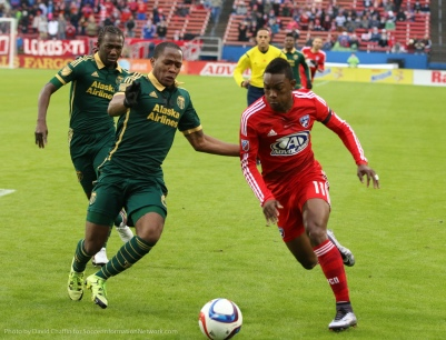 Darlington Nagbe and Diego Chara play the double pivot in a singular way